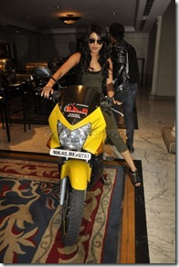 Priyanka-Chopra-Bike-Pictures-565x850